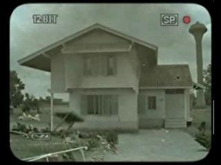 tornado destroy a house-